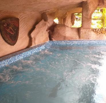 Hotel Rtanj Balašević bazen sa otvorenim krovom